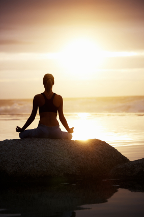 yoga-meditation-woman-mountain